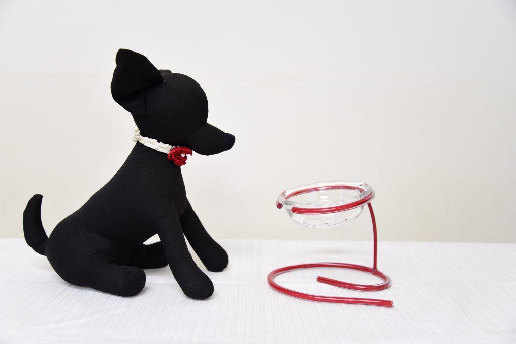 小型犬の食べやすいフードボウル