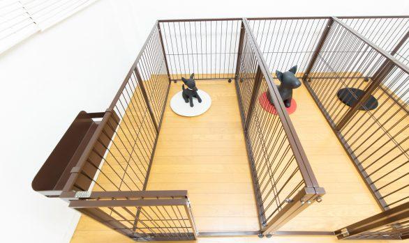 小型犬のおしゃれな縦型サークル