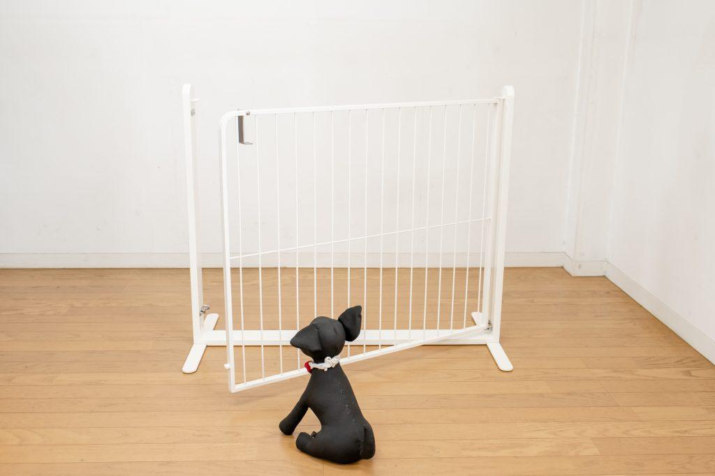 犬のドア付きゲート置くだけ