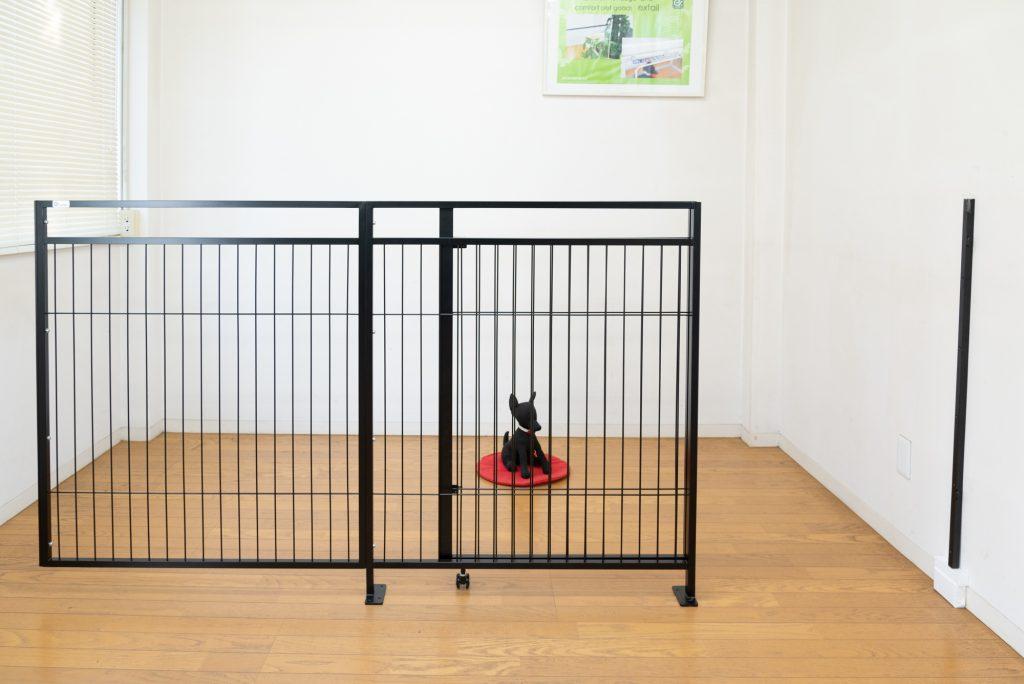 大型犬用ドア付きゲート